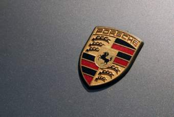 Going Green gets a Jolt: Porsche Ready to Unveil Plug-in Hybrid Model